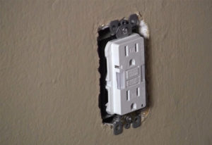 air leak electric outlet
