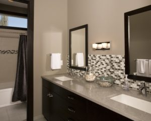 current style bathroom