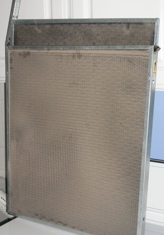 dirty electrostatic furnace air filter