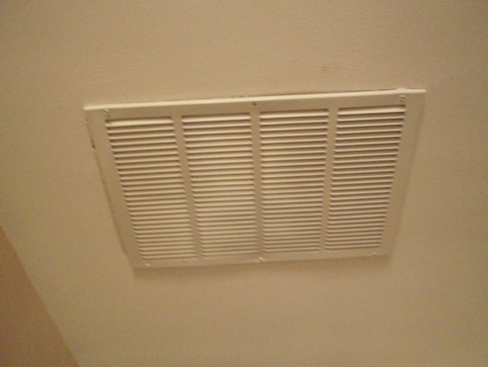 return air duct in ceiling