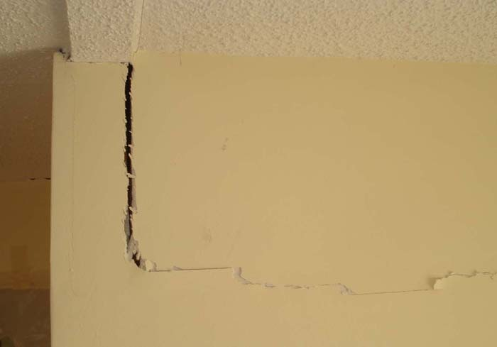 drywall cracking due to slab movement